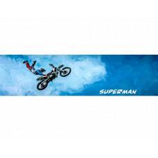Супермен на мотоцикле в стиле масло
